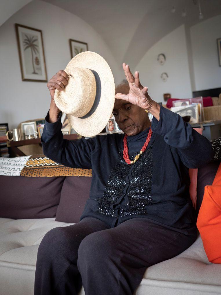 Maryse Condé in haar huis in Frankrijk. Beeld Arnold Jerocki/Divergence