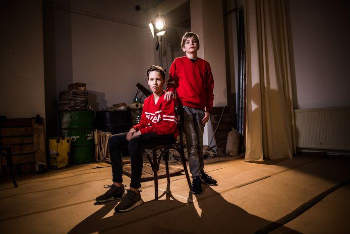 de 12 jarige hoofdrolspelers van Matteüs-Junior links Raaf Wang rechts Guus Blanken