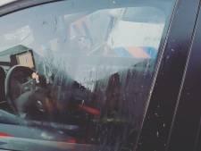'Helden op sokken' besmeuren politieauto met eieren in Veenendaal