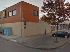 Man (69) gewond na botsing met scootmobiel tegen Lidl in Terneuzen
