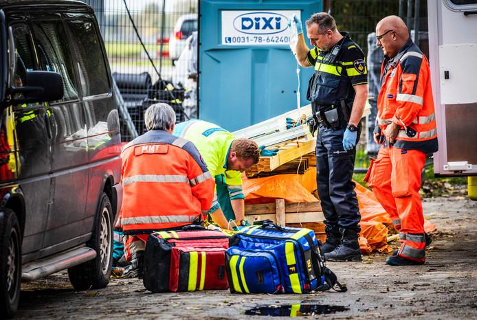 Bij werkzaamheden aan een woning in de Hendrik Hamerstraat raakte vanmiddag een man gewond.