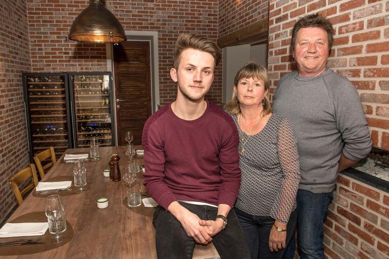 Michael Decruw nam restaurant D'Hofstee vorig jaar over van zijn ouders Angela en Eddy. Hij wordt onmiddellijk beloond met een 12 op 20 door Gault&Millau.