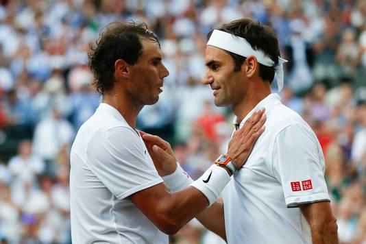 Rafael Nadal (links) en Roger Federer.