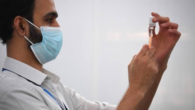 """AstraZeneca ontkent dat vaccin maar bij 8 procent van 65-plussers effectief is: """"Compleet onjuist"""""""