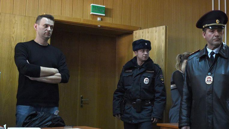 De Russische oppositieleider Alexei Navalny tijdens een hoorzitting in Moskou, 27 maart 2017. Beeld afp