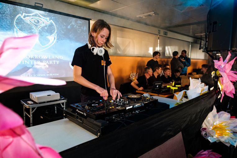 De leerlingen van de dj-klas van de Bornemse Academie zorgden voor de muziek.