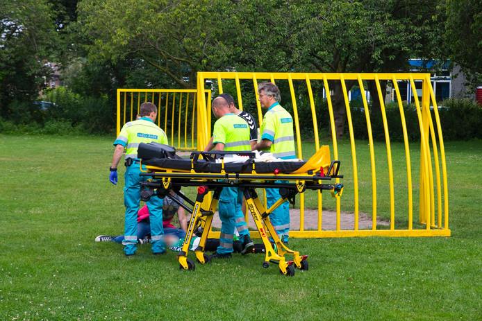 Ambulancemedewerkers ter plaatse.
