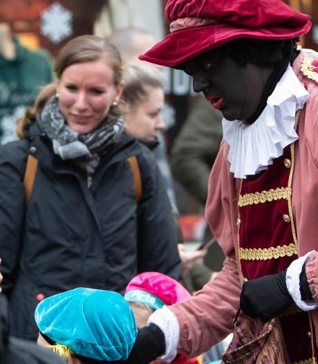 Helft roetveegpieten in Zutphen? 'Burgemeester praat voor haar beurt', zeggen sintcomité en ondernemers