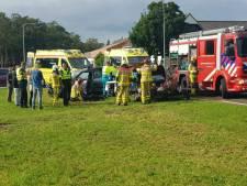 Twee gewonden bij botsing op Varsseveldseweg