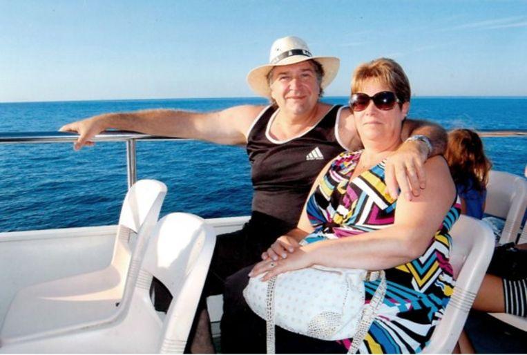 Na zijn visserspensioen had Roger met Sonja nog graag een cruise gemaakt. Weer de zee op, maar dan in alle luxe.