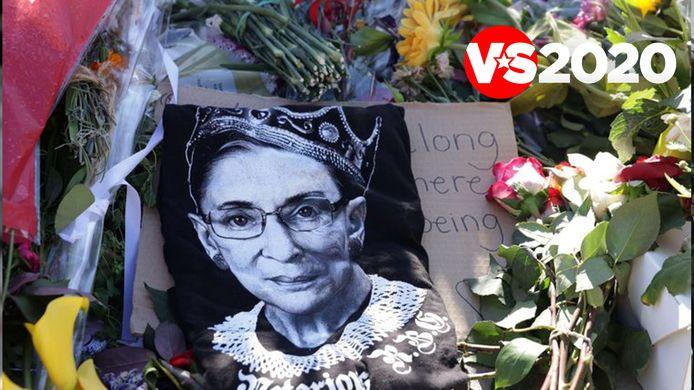 Bloemen aan het Hooggerechtshof voor de overleden rechter Ruth Bader Ginsburg.