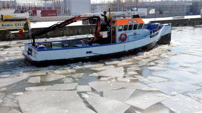 Schepen vastgelopen door ijsvorming: ijsbreker moet kanaal vrijmaken