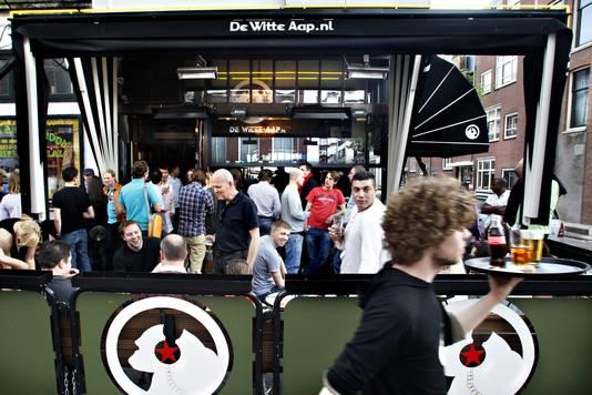 Café De Witte Aap, die door Lonely Planet tot beste bar van de wereld werd uitgeroepen in 2009.