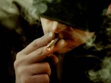 Man onder invloed van drugs aangehouden in Almelo