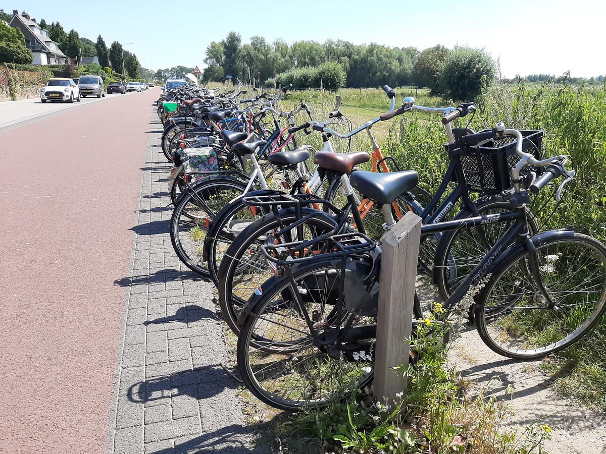 Nieuwe fietsenstalling langs de Veerweg.