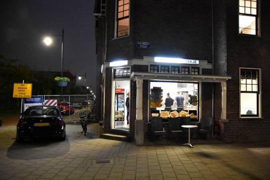 Cafetaria 't Hoekje in Arnhem is overvallen.
