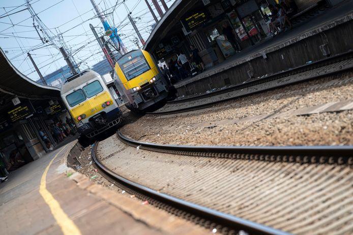 La jonction Nord-Midi voit passer 218.000 voyageurs par jour dans quelque 1.200 trains, dont 300 aux heures de pointe.
