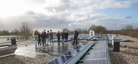 Pallas Athene College in Ede zet dak vol met zonnepanelen