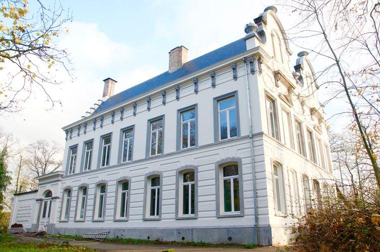 Het exterieur van kasteel Ter Borcht is reeds gerenoveerd.