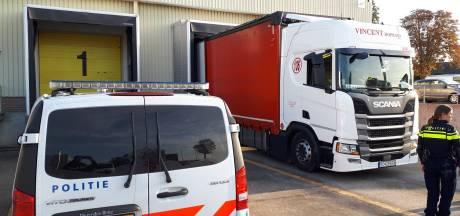 Drie verstekelingen ontdekt in vrachtwagen tijdens lossen in Zierikzee