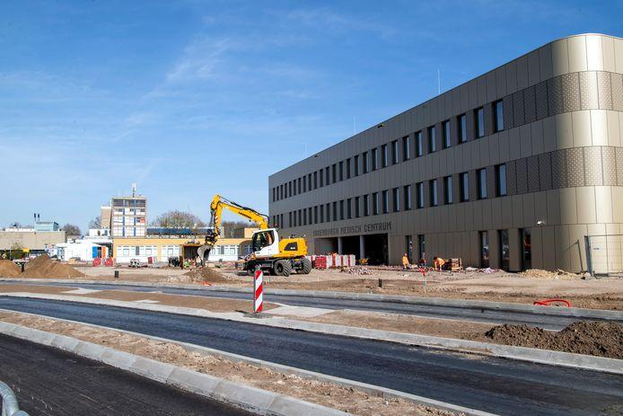 Het nieuwe ziekenhuis in Hardenberg, het Medisch Centrum Hardenberg, nadert zijn voltooiing.
