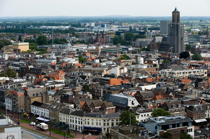 De Arnhemse binnenstad gezien vanuit een van de kantoortorens bij station Arnhem Centraal.