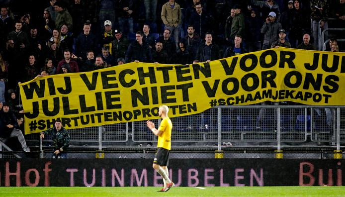 Een duidelijke boodschap van de supporters aan de spelers.