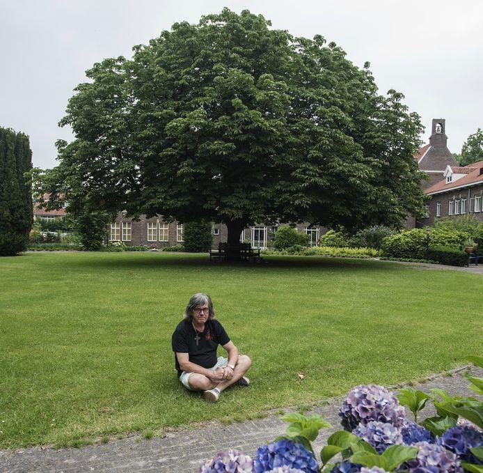 Gerard Klaassen nomineerde de kastanje in de tuin van het vroegere pension Mariëngaarde.