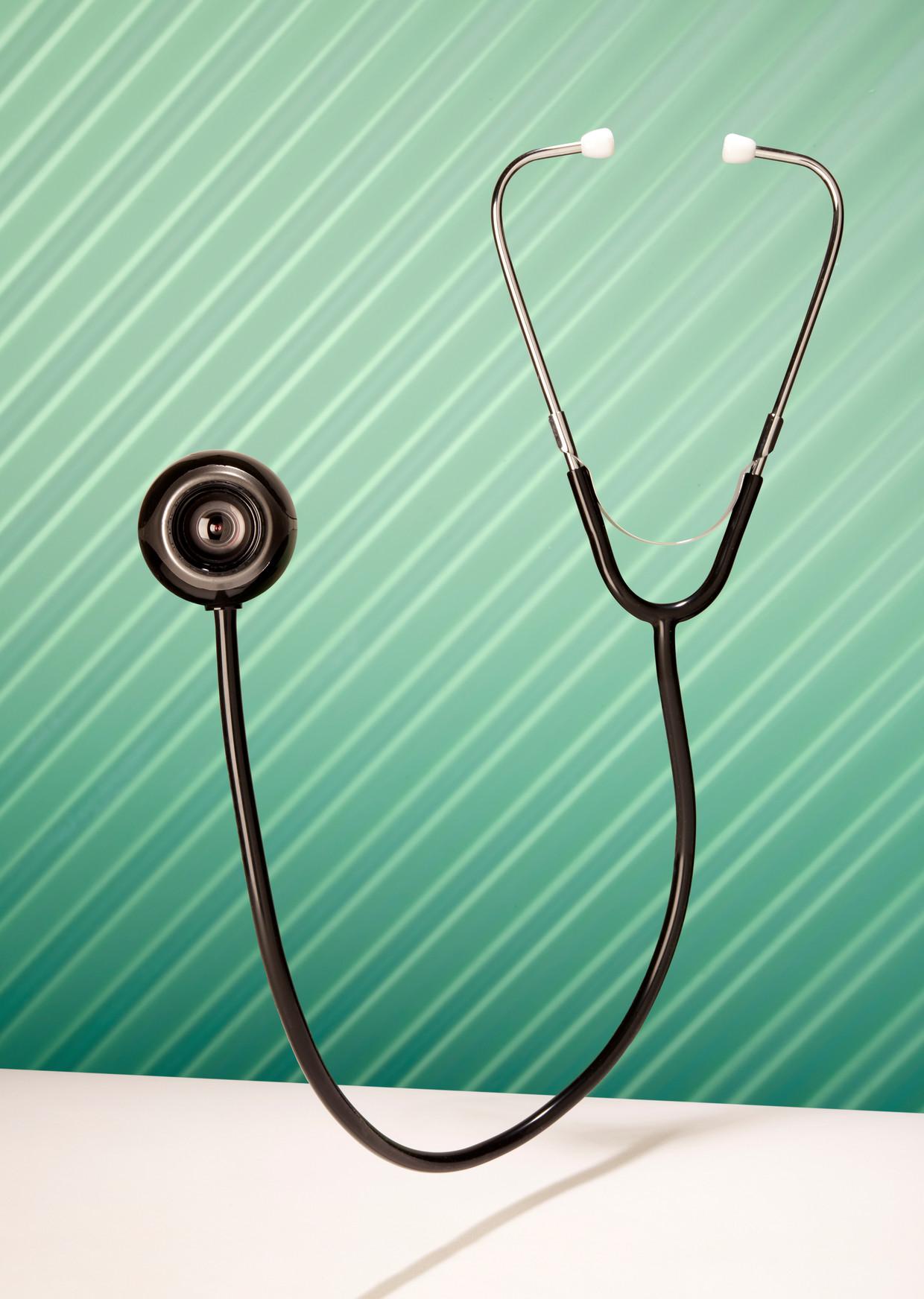 Zo'n 5 tot 10 procent van alle zorg is bewezen niet-zinnig, ongeveer 40 procent is bewezen zinnig. Beeld Van Santen & Bolleurs