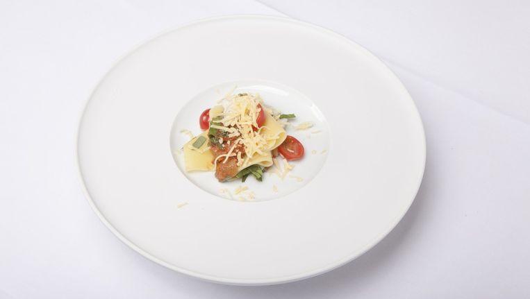 Moshik Roths lasagne. De saus van tomaat, die voor gehaktvervanger doorgaat, is erg smakelijk Beeld Web-upload