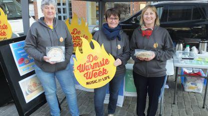Mama's die zoon verloren, verkopen massaal pannenkoeken voor Warmste Week