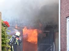 Schuurbrand zorgt voor grote rookwolk in Geesteren