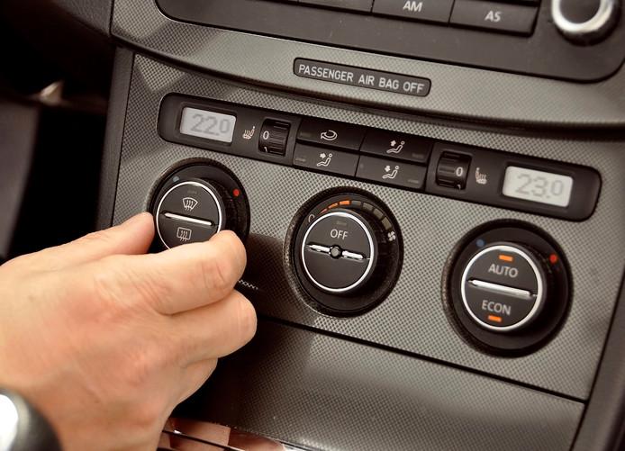 De airco alleen is niet altijd voldoende om de hitte uit de auto te krijgen