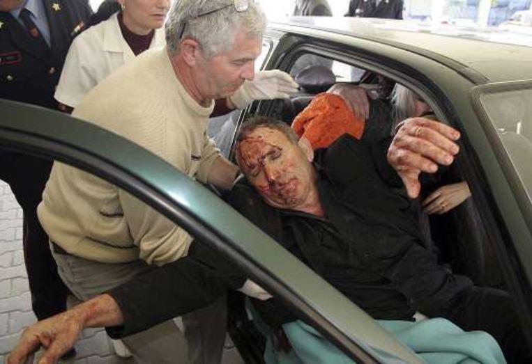 Gewonden worden naar het ziekenhuis gebracht