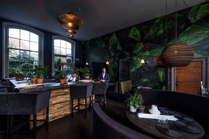 Het betoverende interieur van Schulten Hues past bij de gerechten. Foto: Jan van den Brink