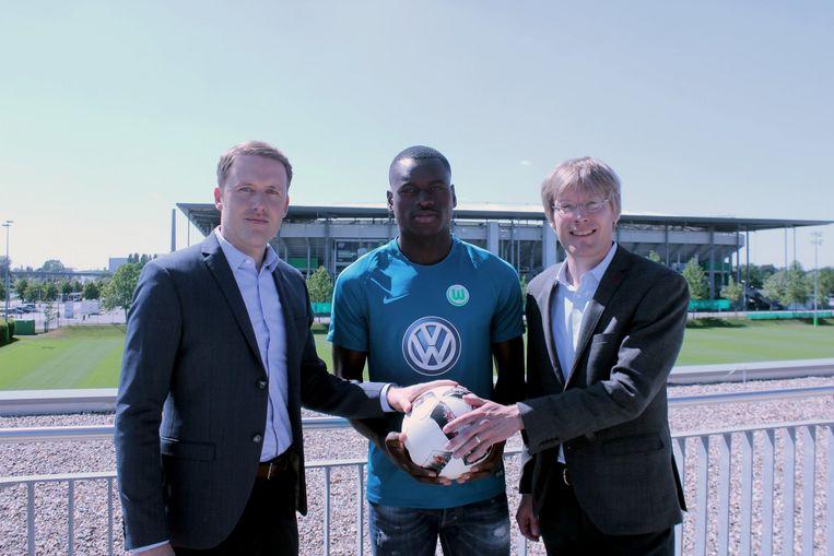 Dimata werd vandaag voorgesteld bij VfL Wolfsburg, zijn nieuwe club