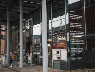 Hasselt zet 'Dag van de Handicap' in de kijker met gedicht aan bibliotheek