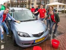 Voor slechts 5 euro staat de auto schoon te glimmen