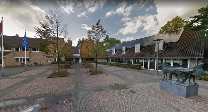 In het gemeentehuis van Geldermalsen moet een aparte ruimte komen waar inwoners vergunningsaanvragen kunnen bekijken.