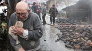 Deze foto gaat de wereld rond: Ali (83) is alles kwijt, behalve zijn kitten