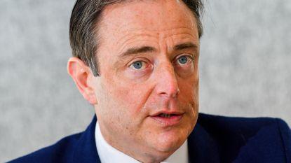 De Wever steunt Vandeput en haalt scherp uit naar sp.a