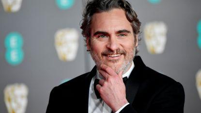 Sektelid en drugsverslaafd, maar vanavond dé topfavoriet op de Oscars: het bijzondere leven van Joaquin Phoenix