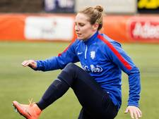 Oranje's topscorer aller tijden Manon Melis geeft training bij Feyenoord