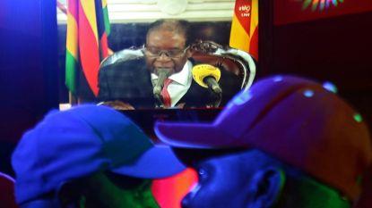 """Mugabe bereid af te treden, ontslagbrief is geschreven"""