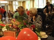 Oudste inwoner van Enschede is 110 jaar: 'Alles gewoon doen, hè'