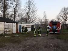 Brandweer rukt groot uit voor klein brandje in leegstaand bijgebouw in Boxtel