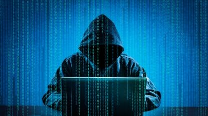 """Angst voor hackers: """"Fabrikanten, zorg voor webcamklepje"""""""