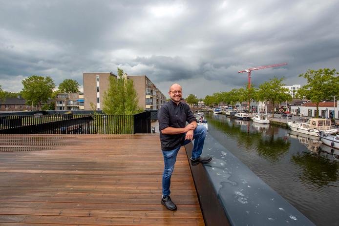 RAK-eigenaar  Giel van Schaaijk wil op het dek van het uitzichtpunt uitbreiden.