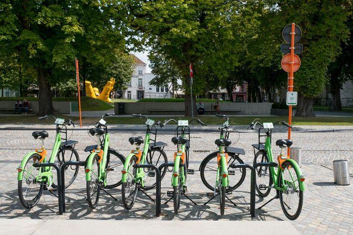 De fietsen van Mobit zijn te herkennen aan hun groene kleur.