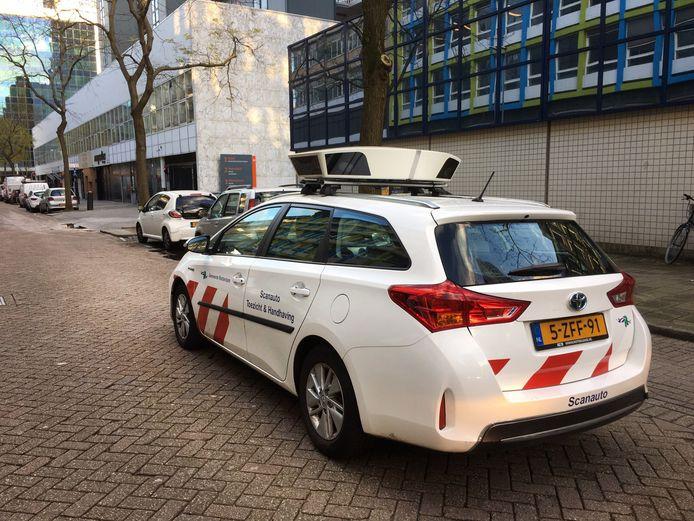 Een scanauto van de politie in Rotterdam.